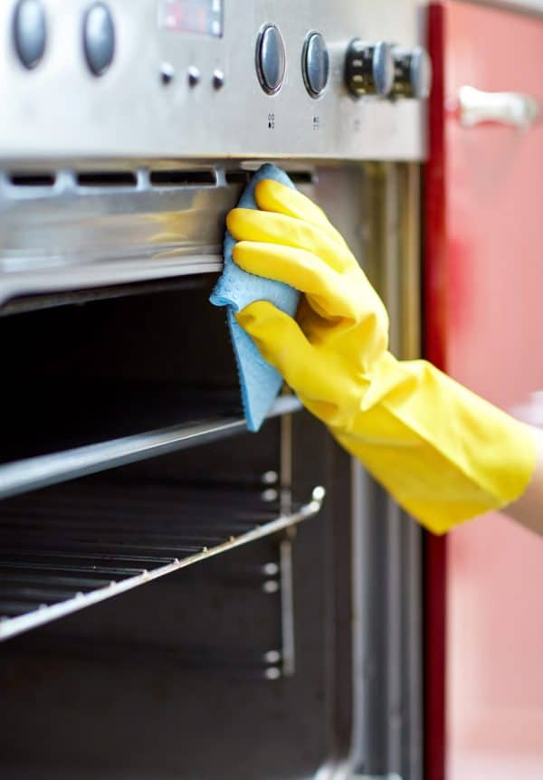 Cleaning the oven is one of the 15 minute tasks on this Spring Cleaning Checklist