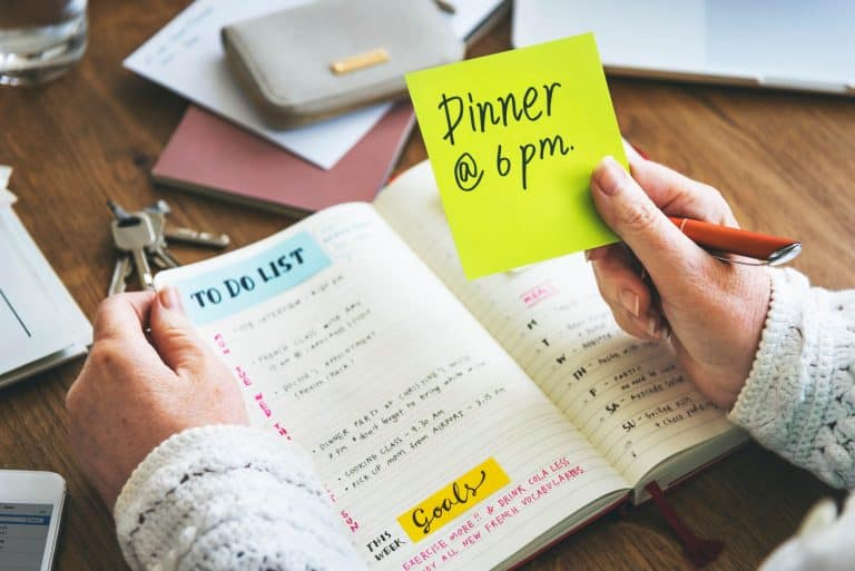 How to Use a Planner for an Organized Life