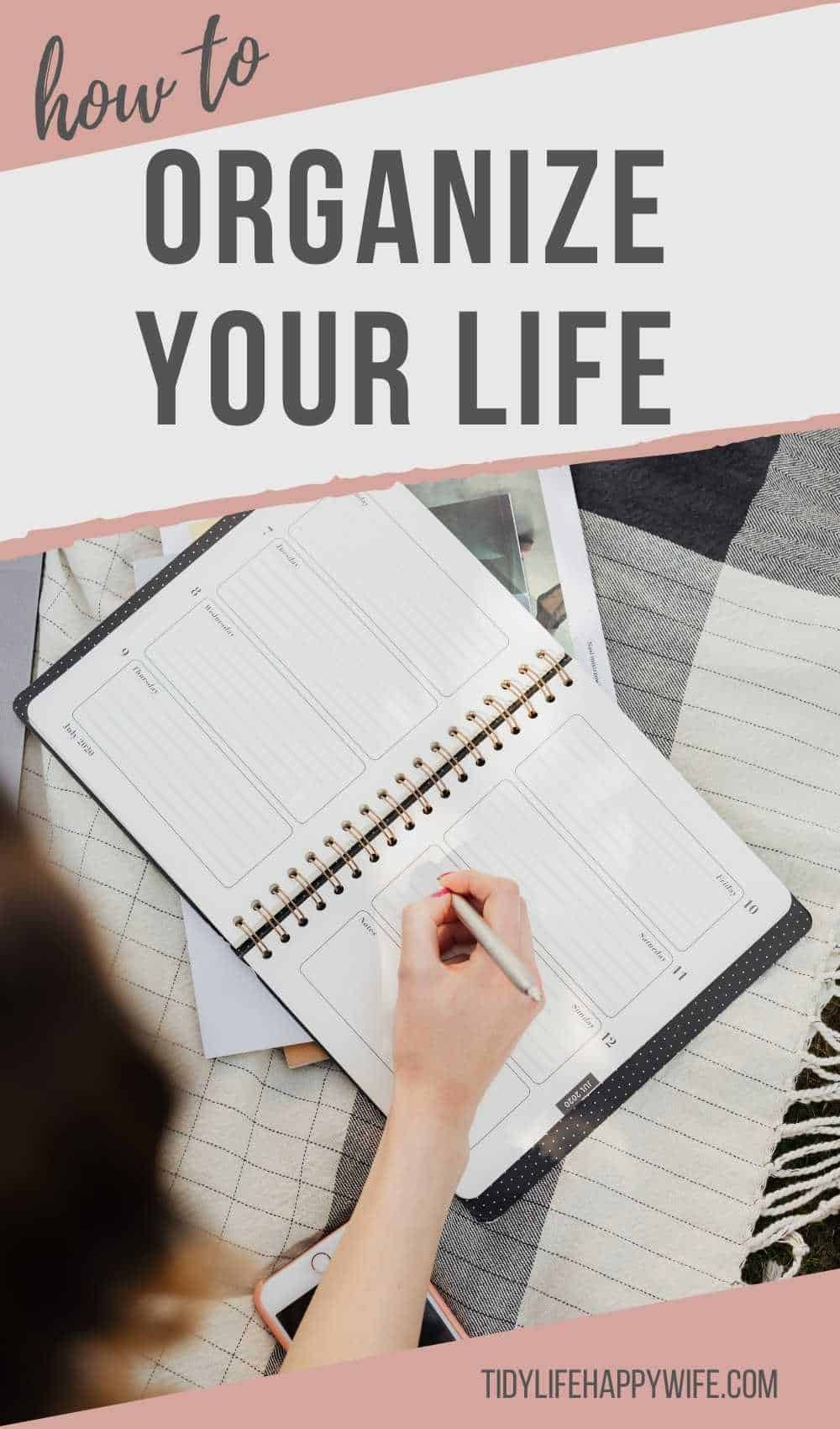 Tired of the chaos and overwhelm that is your life? Here are 6 tips to help you organize your life, prioritize your goals, find more time, get more done, and enjoy your days. How finding your Why, setting goals, clearing the clutter, and organizing your time and home can help you get your life in order. Tips for an organized to-do list. Organization ideas for your home, time, and life. How to get it all together. via @Tidylifehappywife