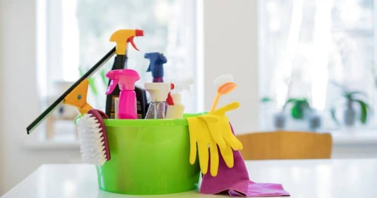 Weekly Cleaning Routine to Keep Your Home Clean in Under 30 Minutes a Day